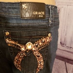 Grace in La jeans size 30